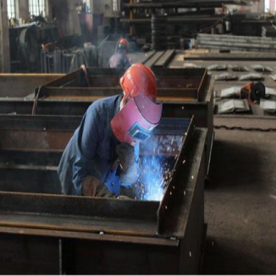 武汉钢结构加工厂分析的钢结构焊接变形的主要原因有哪些?