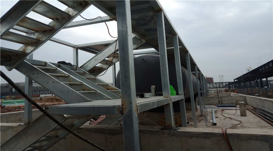 武汉东西湖京东方钢结构设备平台和钢楼梯